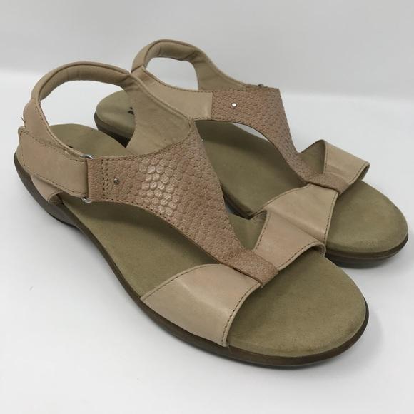 7293a5270e61 Clarks Shoes - Clark s Roza Pine Low Heel Sandal 8.5